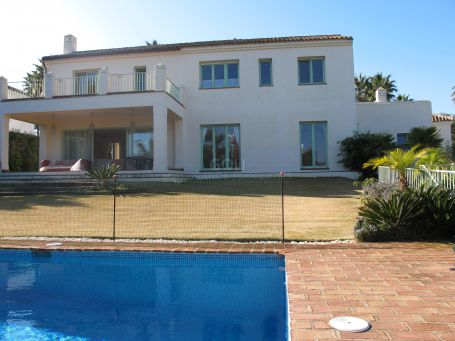 Fabulous villa with good views and a recreation room