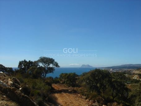 8 Townhouses in Bahia de las Rocas 5 minutes from Sotogrande