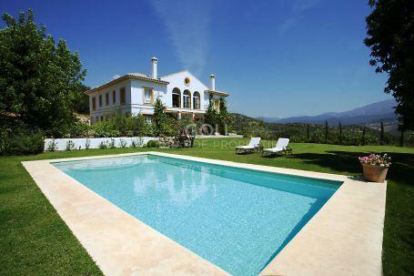 Impresionante casa de campo cerca de Gaucín con majestuosas vistas