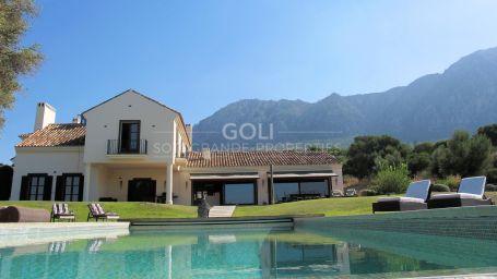 Imaculate villa in Casares