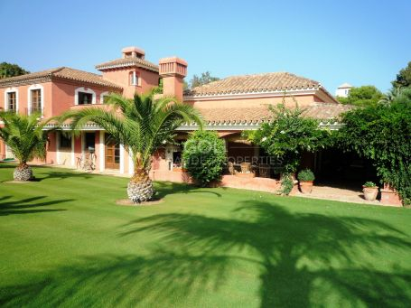 Unique villa on prestigious Kings & Queens, in the heart of Lower Sotogrande