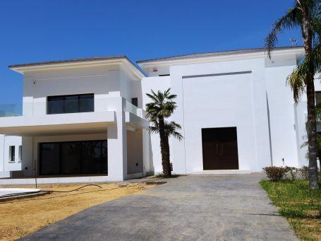 Impressive modern property