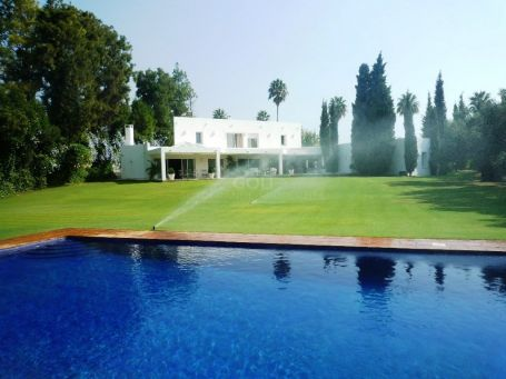 Unique villa on the Royal Golf Course