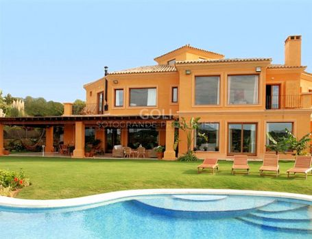Spacious villa with views