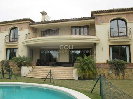 Mansion on the exclusive Golf Course of Valderrama