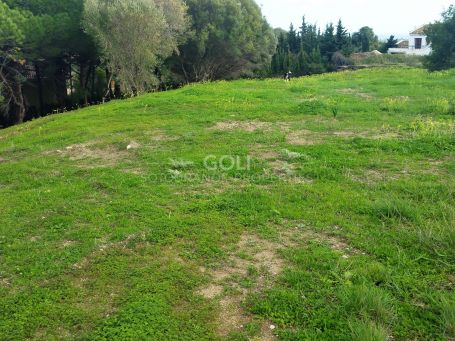 Plot for sale on prestigious La Reserva area