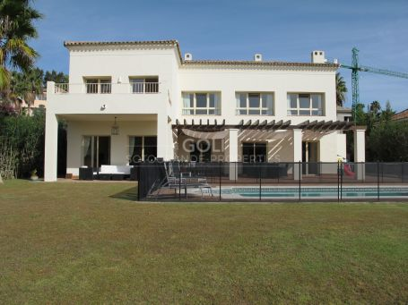 Villa with a viewing to the Golf Course