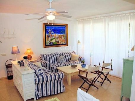 Bright apartment close to the beach