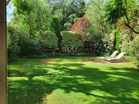 Fabuloso towhnouse con jardín privado