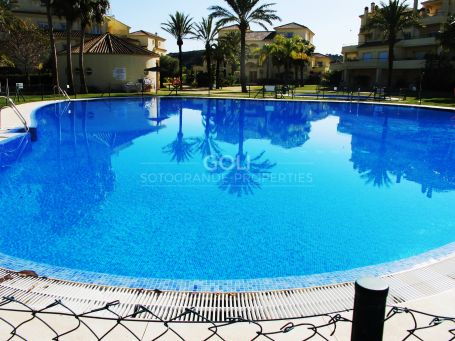 Magnificent garden apartment in San Roque Golf Club