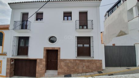 Newly built apartment in San Roque old town.