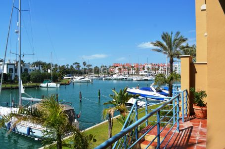 Bright apartment in Isla de La Vela