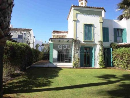 Well situated townhouse close to the beach