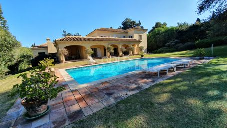 Villa on prestigious location on the Royal Golf Course