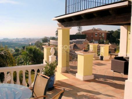 Magnificent villa with view for rent in Bel Air Estepona, Malaga