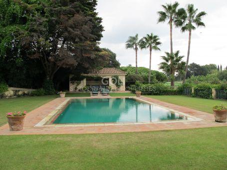 Elegant villa on the Royal Golf Course