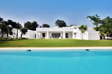 Spectacular holiday villa