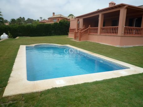 Easy to manage villa with flat garden