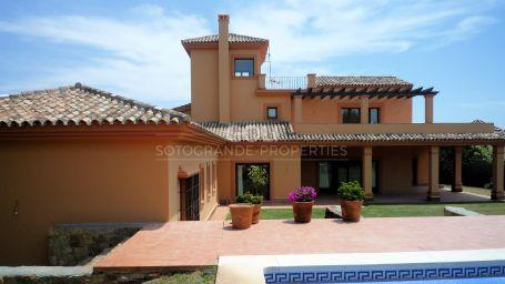 Unfurnished elegant villa