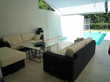 Spacious villa, well built in a a secure complex