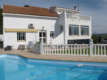Magnificent sea views. Villa for rent in Pueblo Nuevo de Guadiaro.