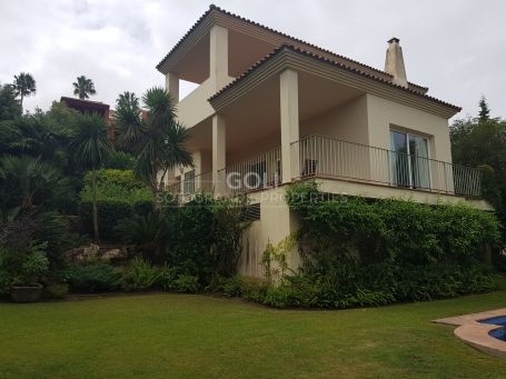 Comfortable villa with lovely gardens