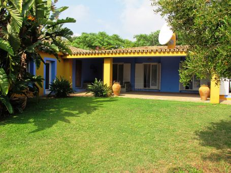Charming property with garden and swimming pool