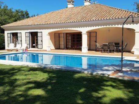 Enchanting villa in a prestigious zone