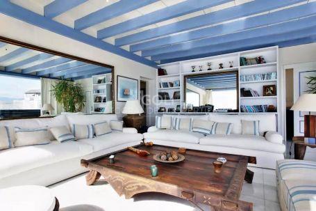 Fantastic duplex penthouse in Casares