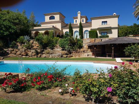 Magnificent 7 bedrooms villa with sea views