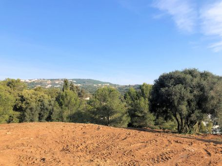Land with building permission and views of Valderrama Golf Course