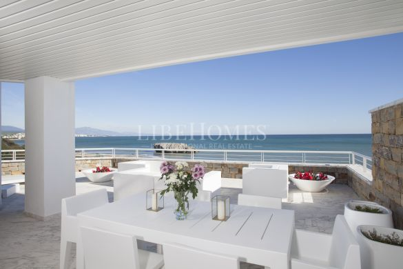 Beach frontline, newly built 1 bedroom penthouse in Casares