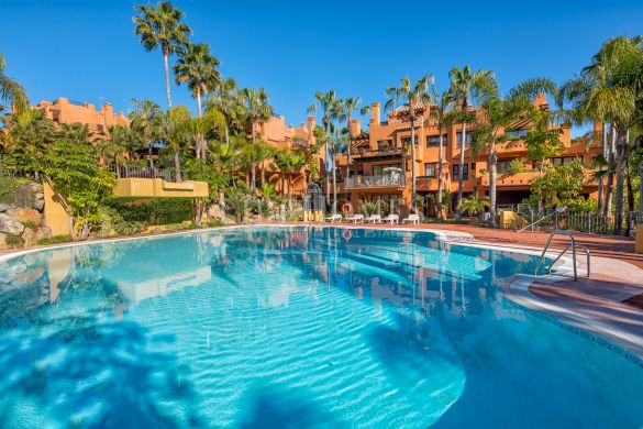 New apartment development, key ready, in Nueva Andalucía, Marbella