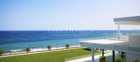 Luxury beachfront apartments, new development, Estepona