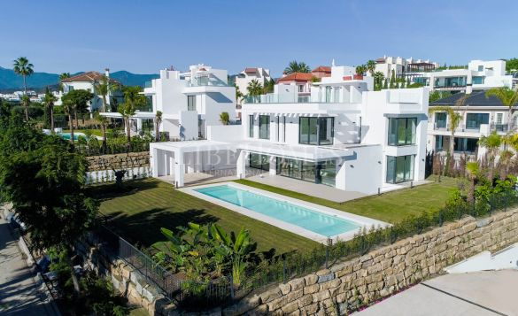 Brand new villa in elite resort Los Flamingos Golf, Benahavis
