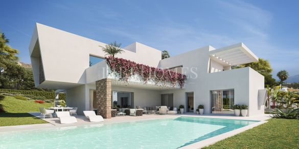 Development of 3 villas in the heart of the New Golden Mile, Estepona