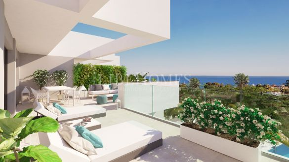 Newly built penthouses with sea views in La Duquesa, Manilva