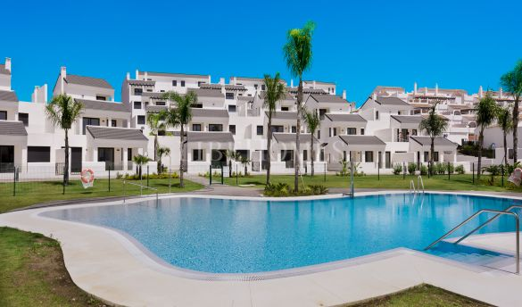 Ground floor apartments, 150 meters from the beach, Estepona