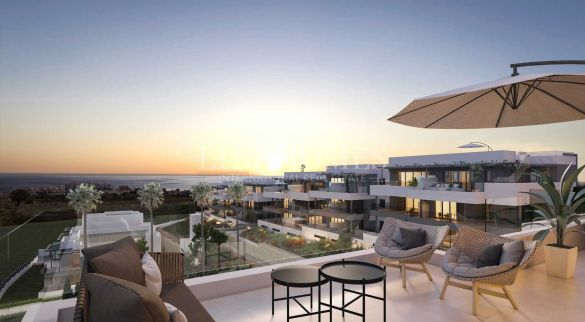 New apartment development in an elevated area above Estepona city