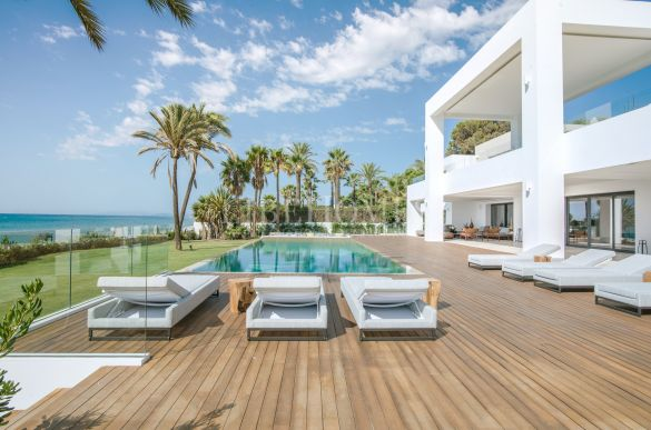 Sea frontline, newly built villa, New Golden Mile, Estepona