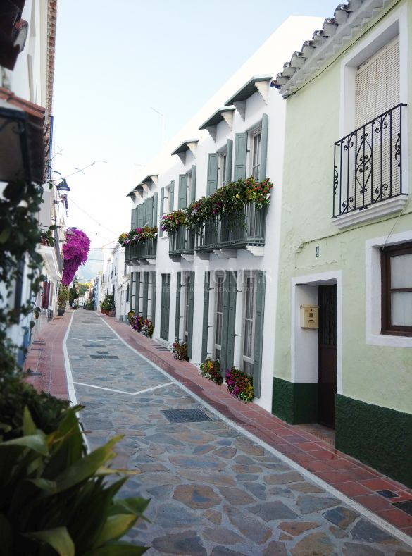 Newly built, ground floor apartment in Marbella's Old Town