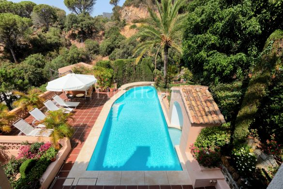 Villa surrounded by nature in El Madroñal, Benahavis