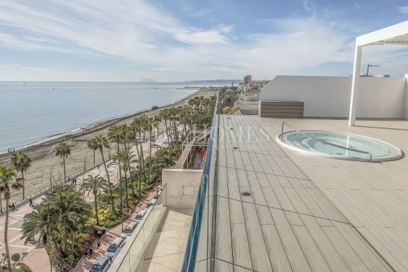 Impressive seafront penthouse on promenade, Estepona center