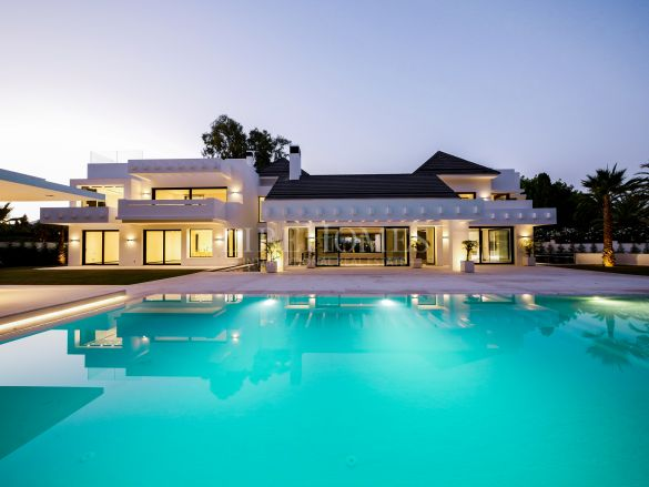 New luxury villa, project already built, in Guadalmina Baja, Marbella