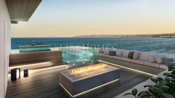 New luxury beachfront penthouse in Estepona city