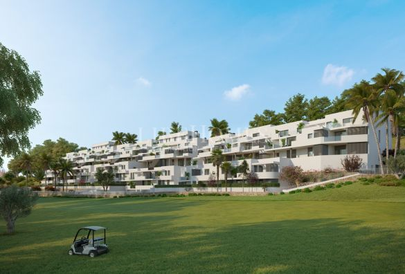 New golf-frontline penthouses in Estepona Golf area