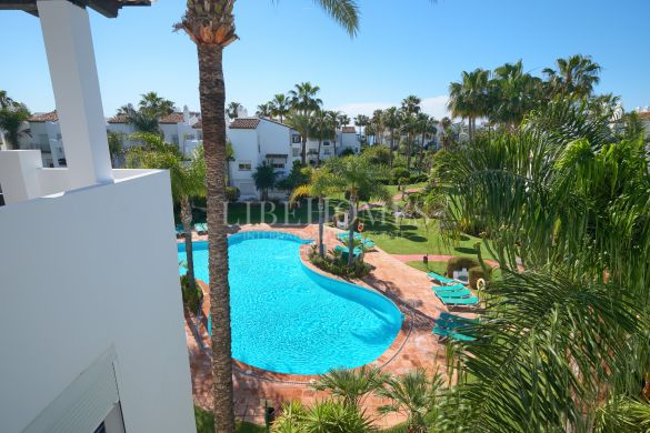 Apartment 3 minute walk to beach, New Golden Mile, Estepona