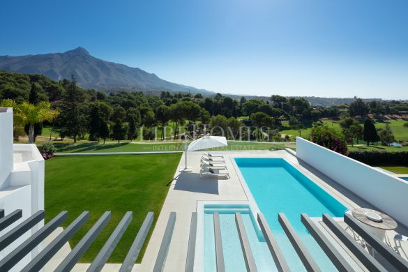 Golf frontline villa with sea views, Aloha, Nueva Andalucia, Marbella