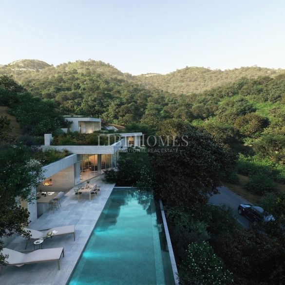 Stunning new villa, blended into nature, in Monte Mayor, Benahavis