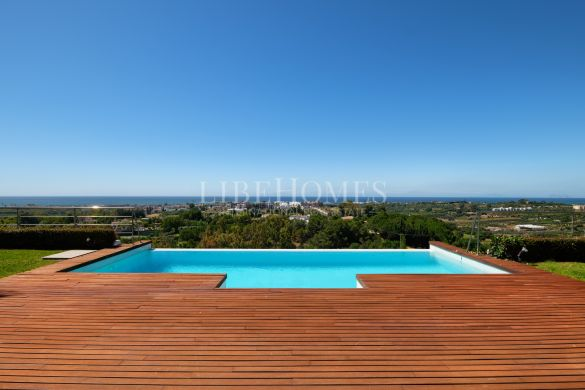 Modern villa with panoramic sea views in Los Flamingos Golf, Benahavis